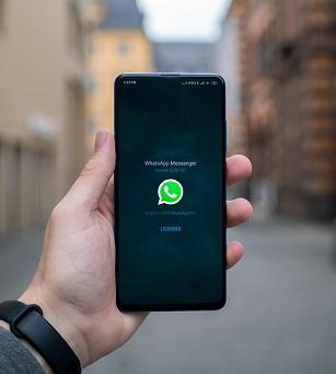 track whatsapp user location